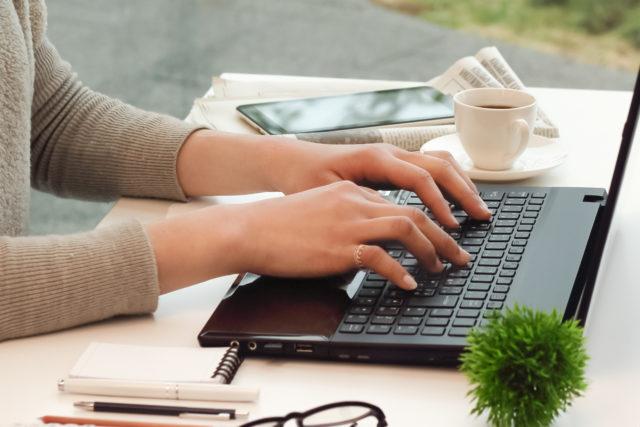 副業に人気のwebライター。仕事内容や始め方は?