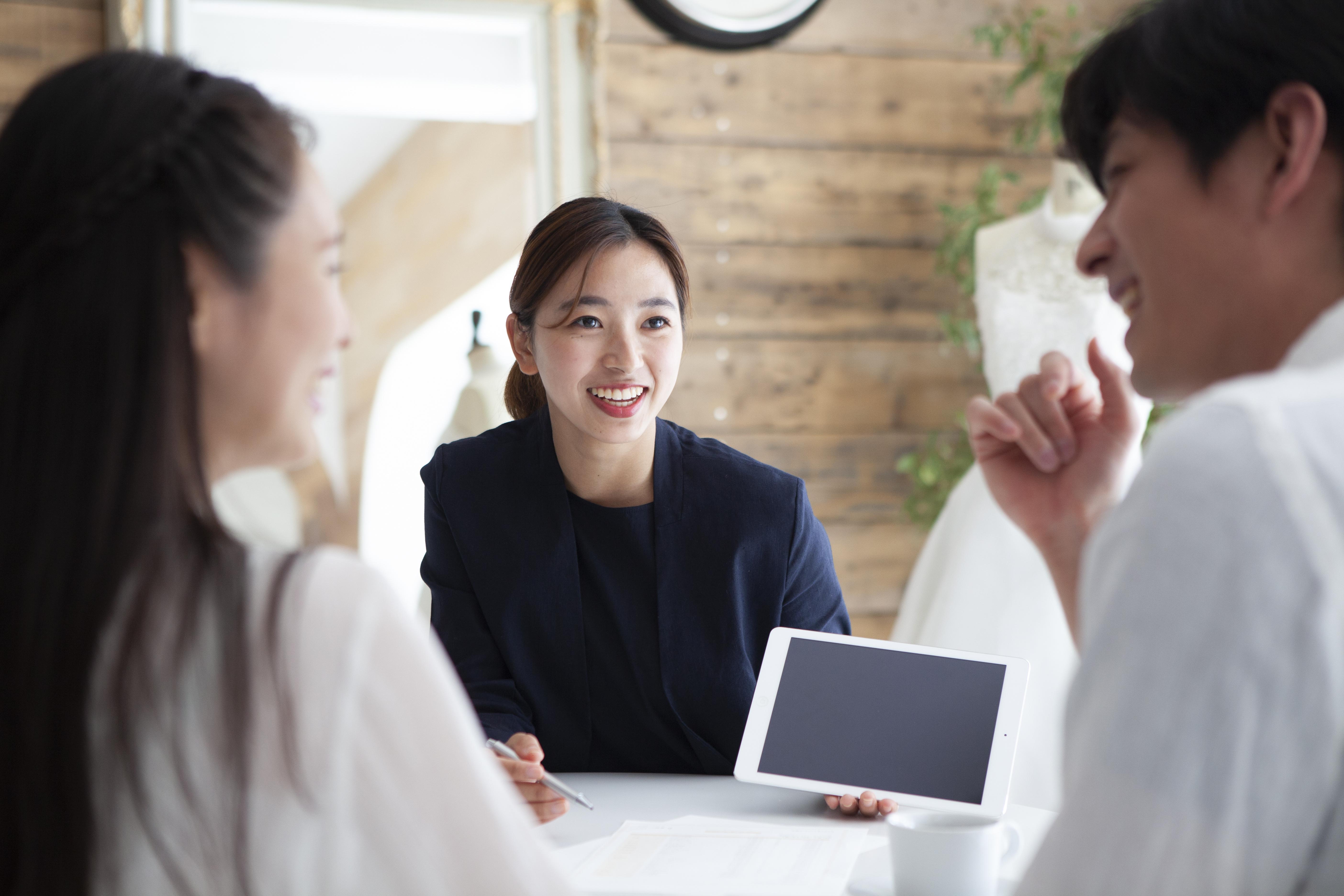 紹介系の副業は効率的に稼げる?紹介系副業の内容やコツについて
